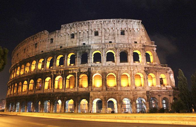 Colosseo Di Notte Visite.Una Notte Al Colosseo Associazione Culturale Flumen