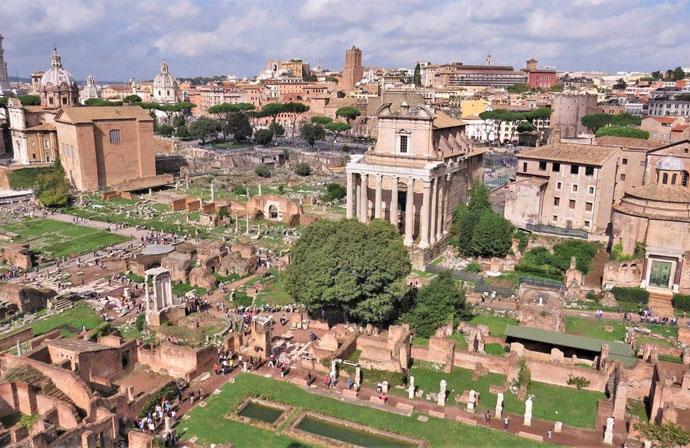 Vista del Foro Romano dall'alto